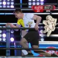 """""""Papal Ninja"""" Sean Bryan records fastest time at 'American Ninja Warrior' Los Angeles Finals"""
